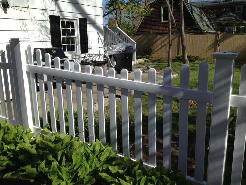 Vinyl Picket Gallery Fence Factory